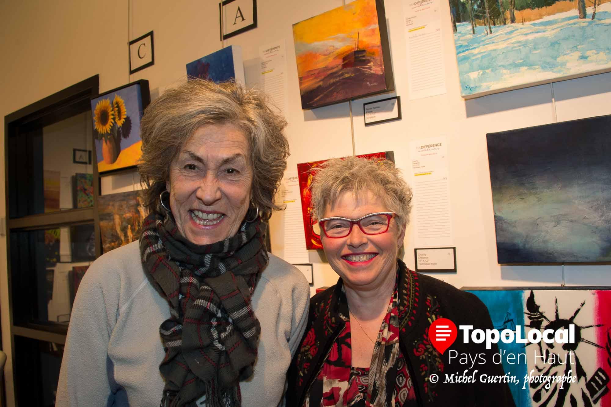 L'artiste peintre Renée Noreau a beaucoup apprécié les différentes oeuvres exposées en compagnie de Suzanne Laverdière