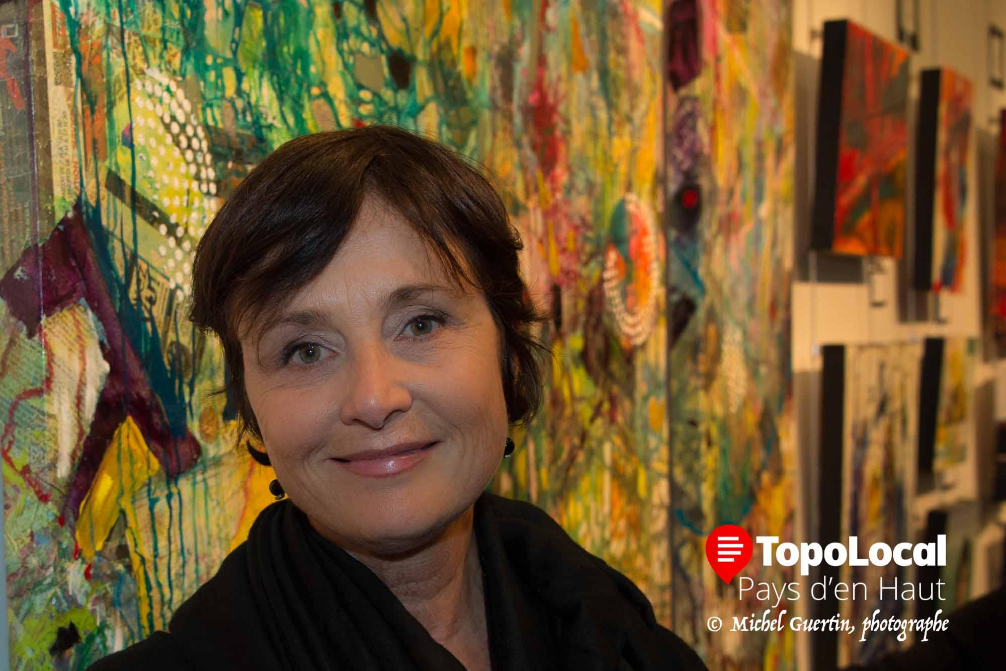 La présidente du comité d'honneur Sylvie Talbot, directrice des communications chez Hybride, est très satisfaite de la qualité des oeuvres de cette année.