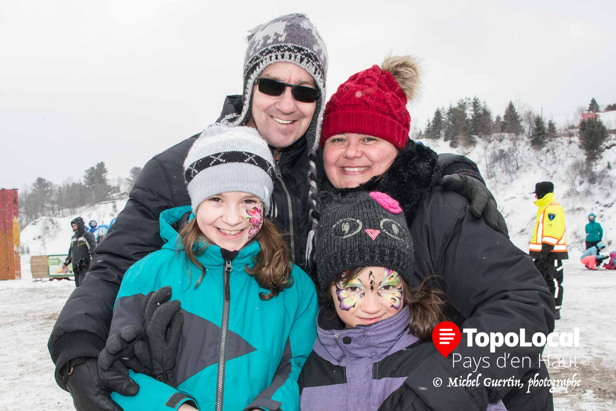 La petite famille piedmontaise composée de Michel Desjardins et Martine Lavallée et de leurs filles Kelly-Ann et Émy-Rose ont profité de ce nouveau parc à deux pas de chez eux.