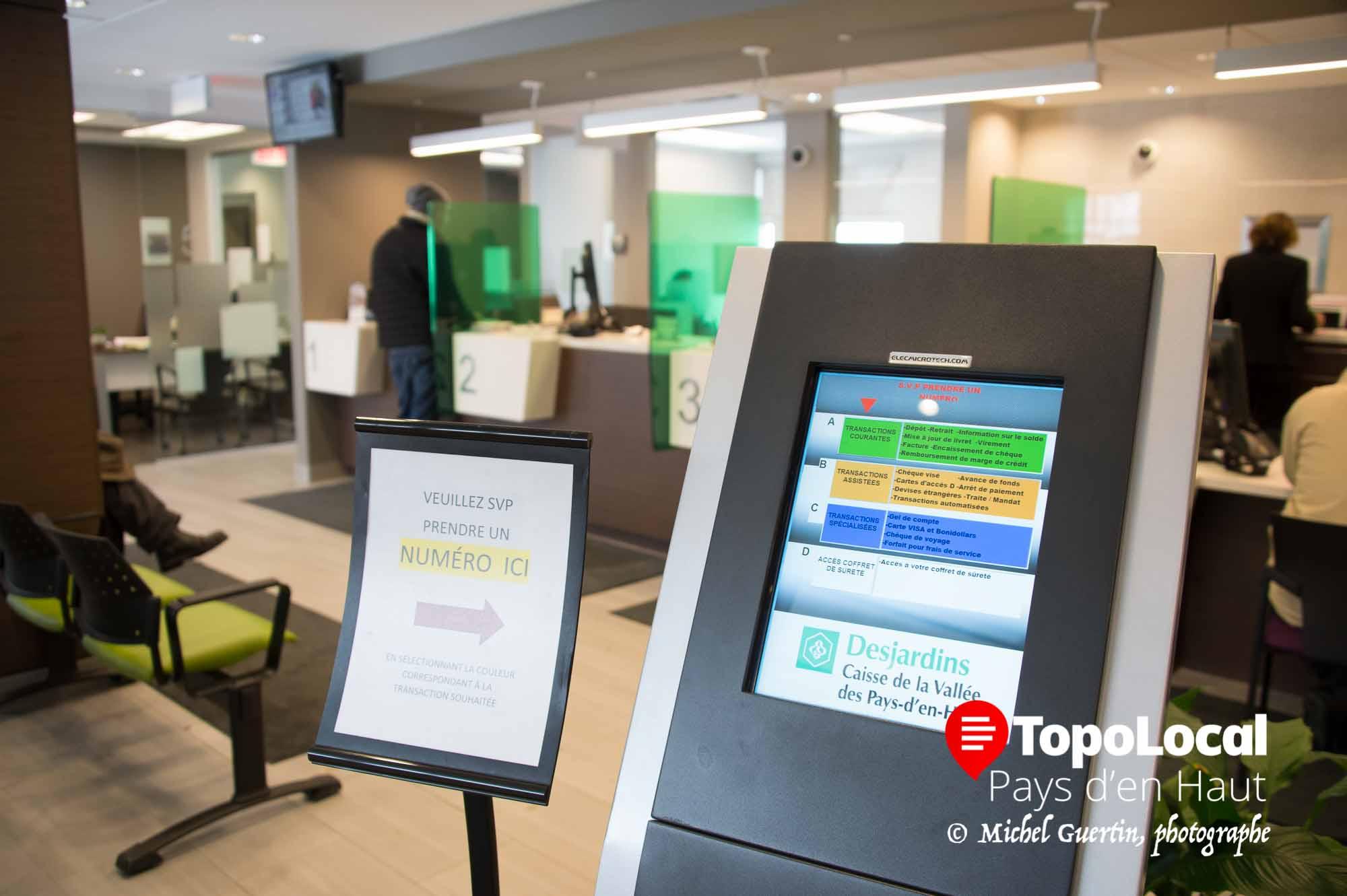 Alors que vous prenez votre billet d'attente, déjà il y a une sélection faite selon vos besoins. La fine pointe de la technologie au service de la clientèle.