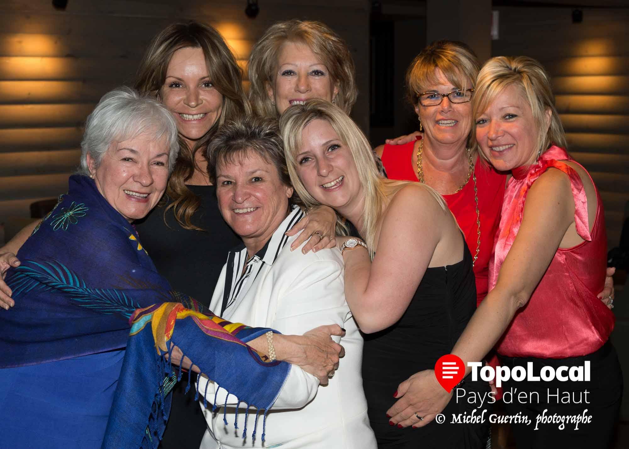 Le coeur était à la fête lors de cette soirée. On a même fêté très tard... Sur la photo on reconnaît:Lucie Létourneau, Nadia Bertrand, Joanne Dubé, Linda Lake, Cindy Larocque, Line vanier et Nathalie Blais.