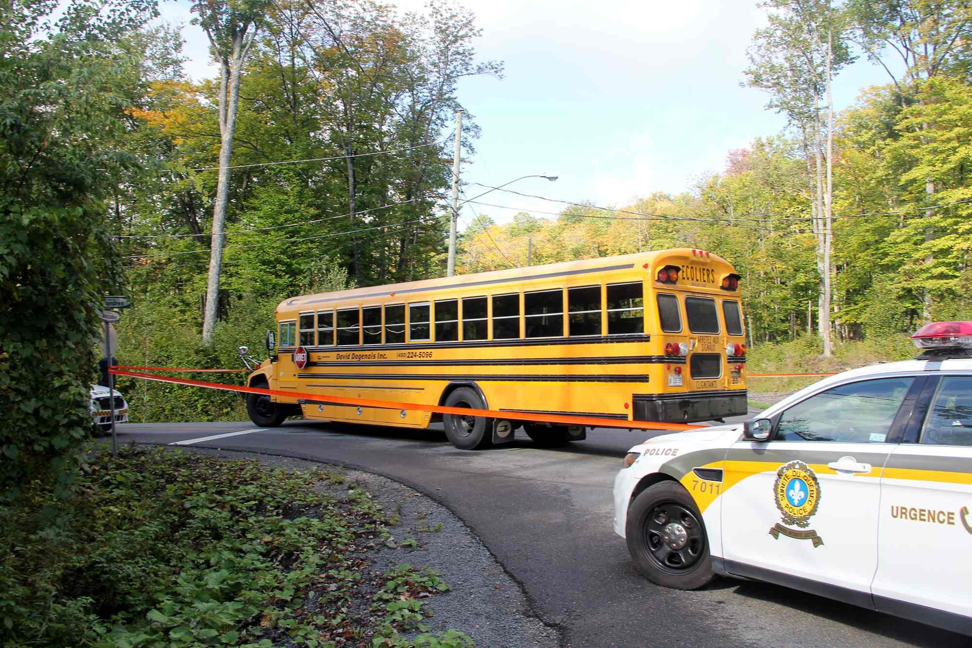 autobus-scolaire-saint-sauveur-meandres