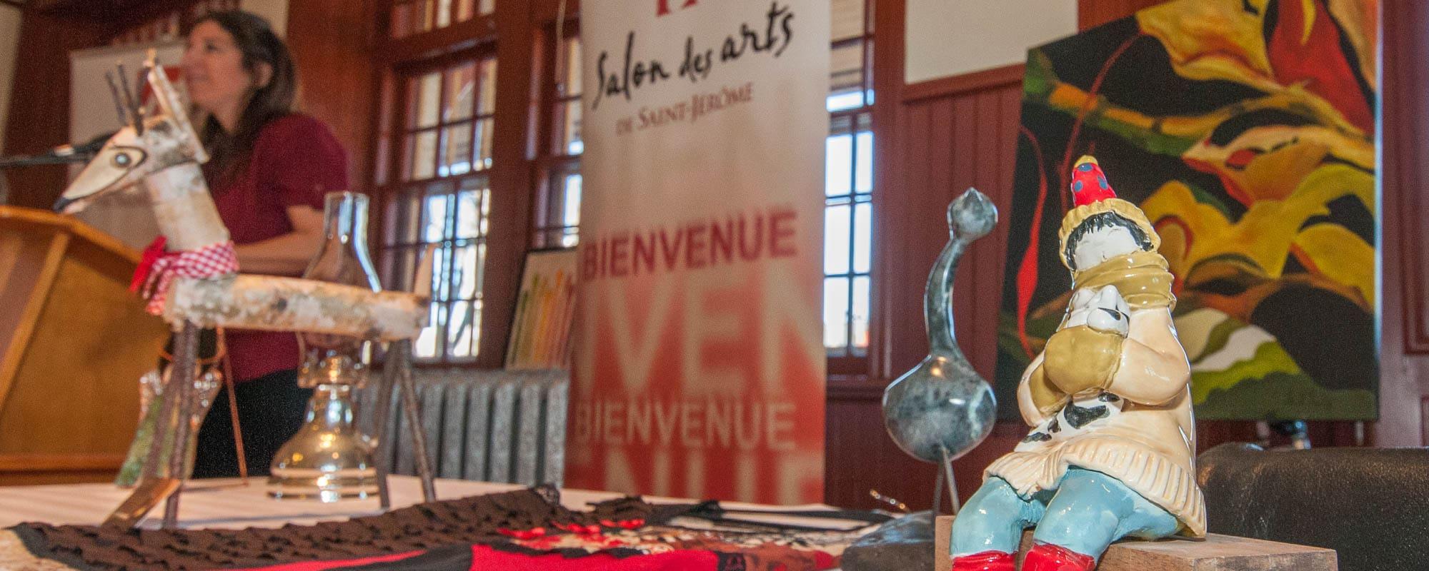 Bijoux peintures et nourriture au salon des arts topolocal - Salon des arts nancy ...