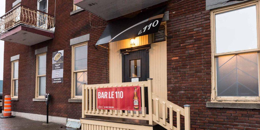 L'entrée de la rue Godmer du bar Le 110, le 17 décembre 2015.