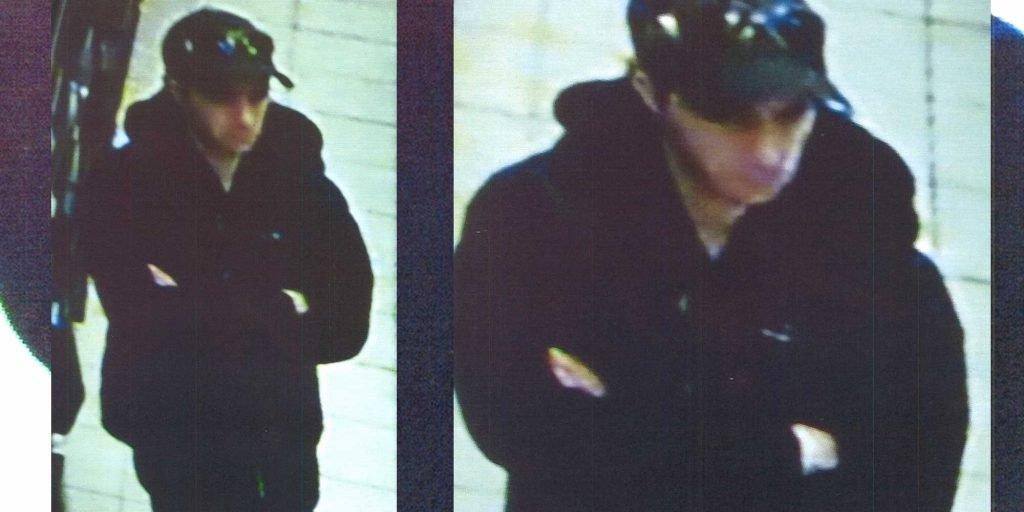 L'homme sur les images captées par une caméra de surveillance est recherché pour le vol d'un ordinateur à Saint-Jérôme, le 22 mars 2016.