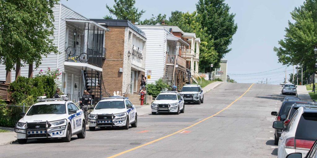 Une chicane entre des personnes a requis le déplacement de quatre voitures de police sur la rue Fournier, à Saint-Jérôme, le 20 juillet 2016.