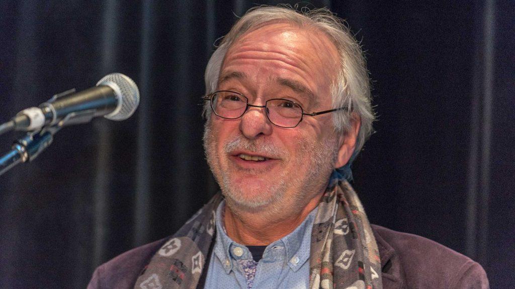 L'écrivainLouis-Philippe Hébertde Saint-Sauveur, nommé créateur de l'année dans les Laurentides, le 10 novembre 2016.