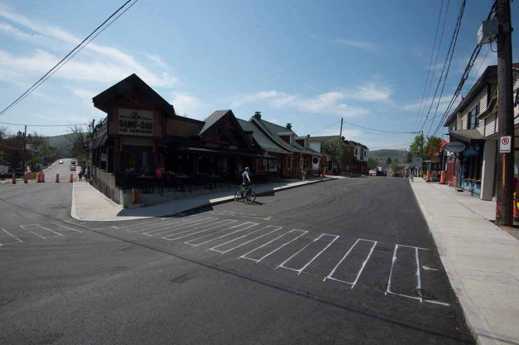 L 39 asphalte est neuve sur la rue principale saint for Academie lafontaine piscine