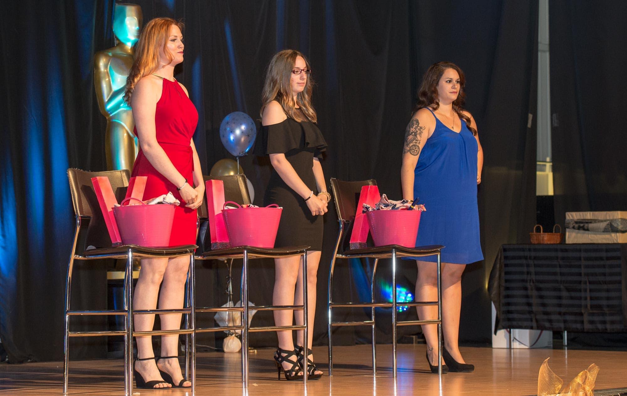 La soirée a été animée par trois enseignantes de français de Saint-Stanislas, Kim Veilleux, Roxanne Lalonde et Véronique Alarie.