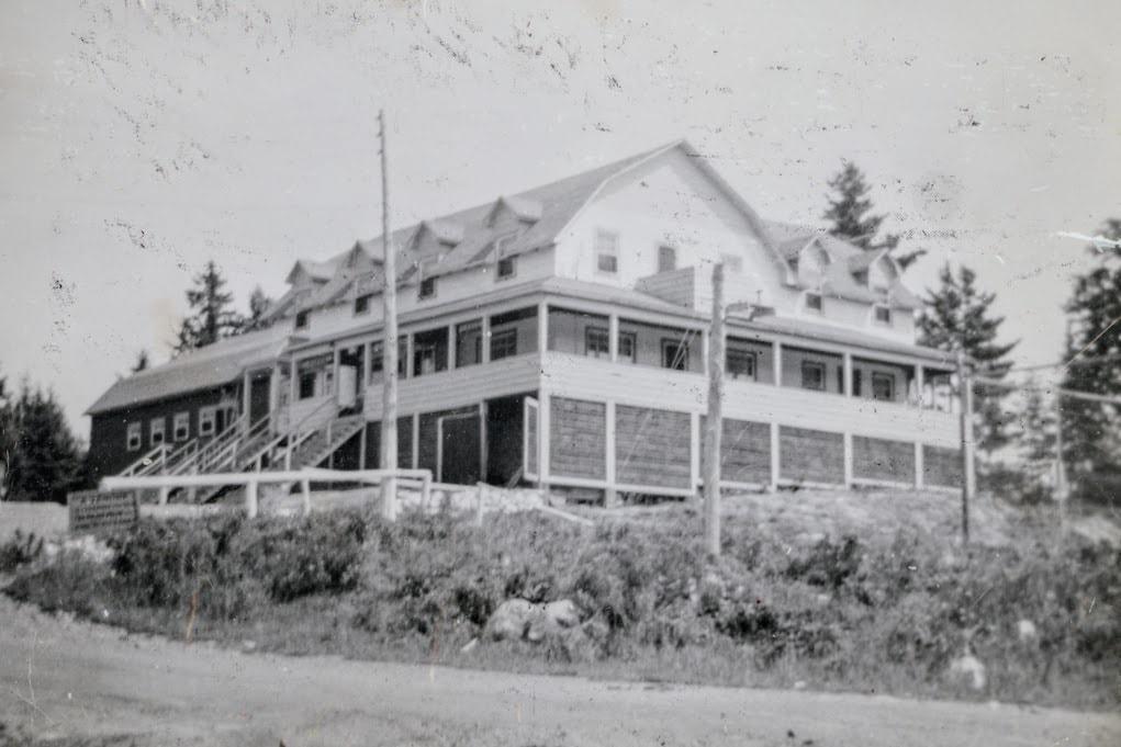 Le Manoir du lac Légaré, en 1956.