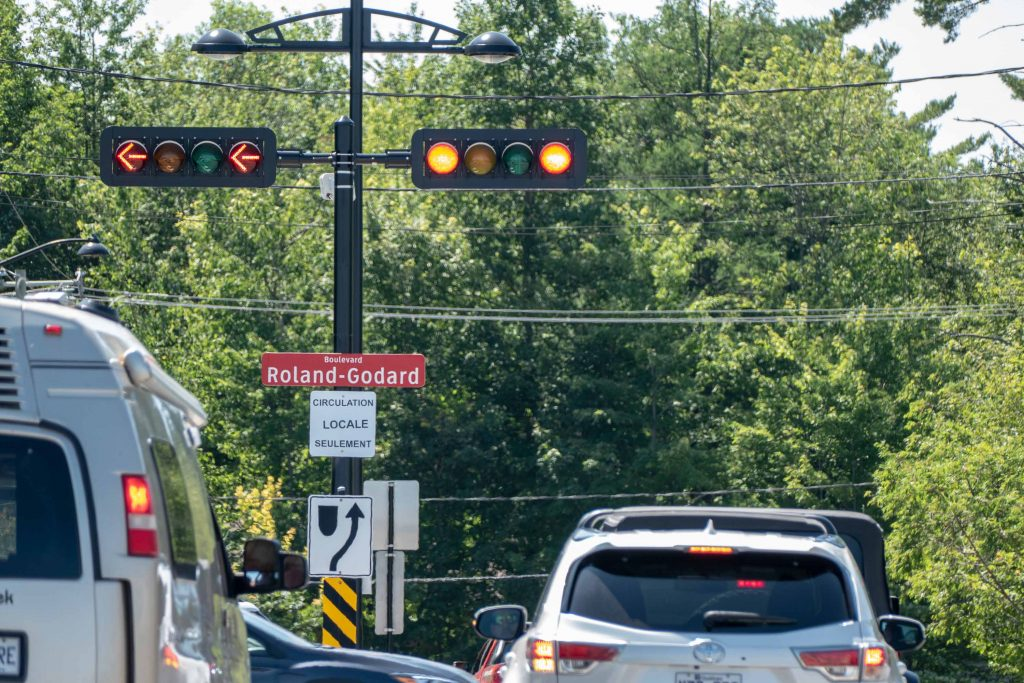 Les efforts d'affichage sont nombreux pour envoyer la circulation ailleurs que sur Lamontagne à la sortie de l'autoroute 15.